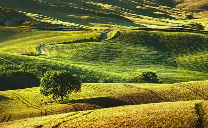 cycling_in_tuscany-volterra_680px.jpg