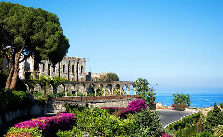 cycling_in_sicily-taormina_680px.jpg