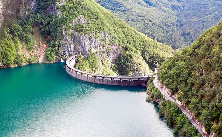 cycling_in_south_tyrol-speccheri_dam_680px.jpg
