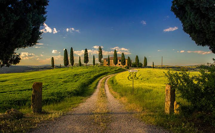 cycling_in_tuscany-villa_680px.jpg
