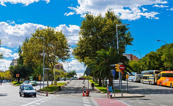 cycling_in_barcelona-valeri_potapova_680px.jpg