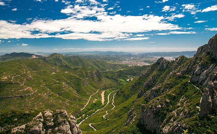 cycling_in_catalania-montserrat_in_barcelona_680px.jpg