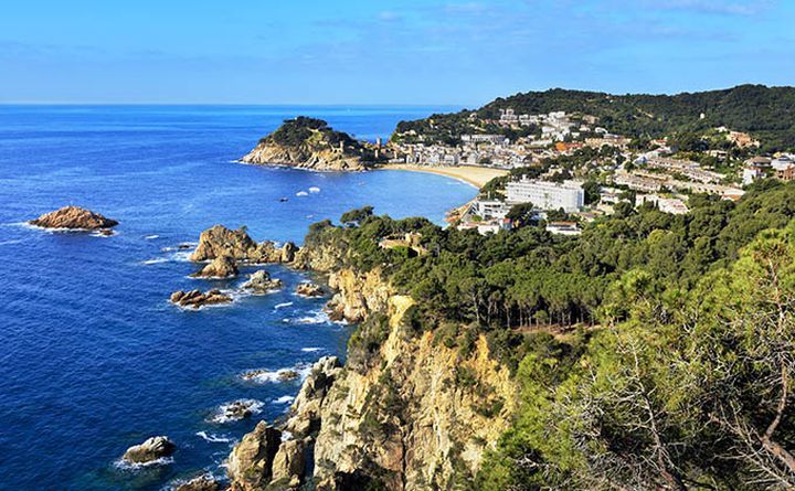 cycling_in_catalania_costa_brava_680px.jpg