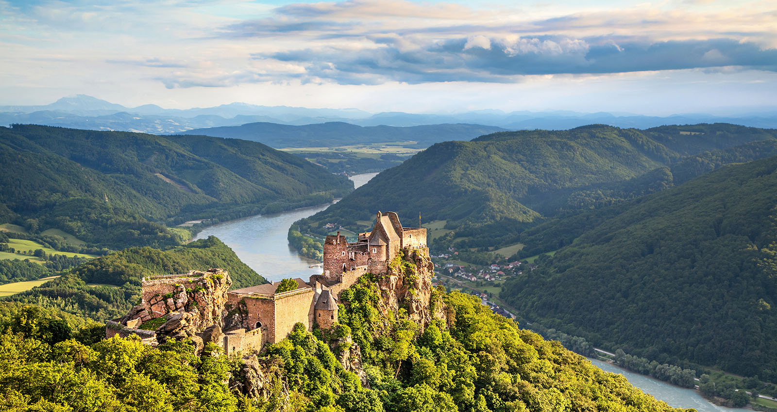 Aggstein castle at the Danube