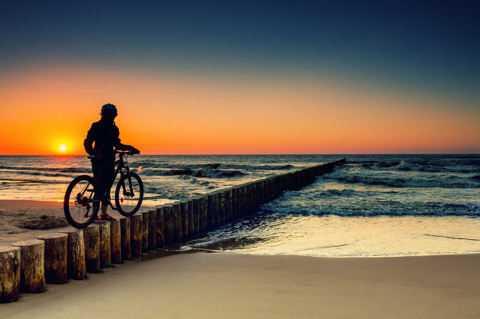 10 cycle routes along coasts around the world