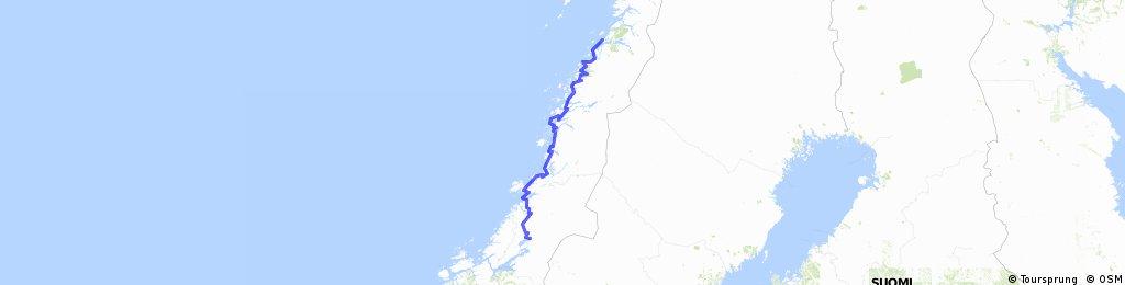 Fietsen langs de Kystriksveien 17 in Noorwegen
