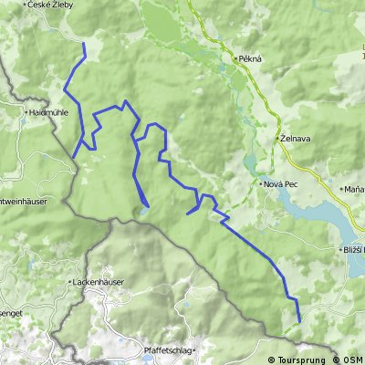 Stožec - Nové Údolí - Rosenauerova nádrž - podle Schwarzenberského kanálu s odbočkami k Plešnému jezeru a Říjišti až do Zadní Zvonkové ( a zpět )