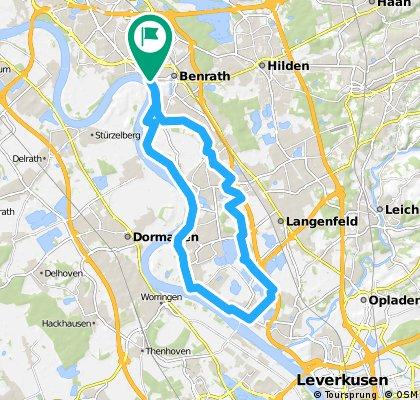 Little Rhine Route: Benrath, Rheindorf and back