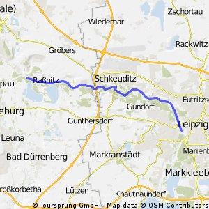 Auf dem Deich von Halle nach Leipzig