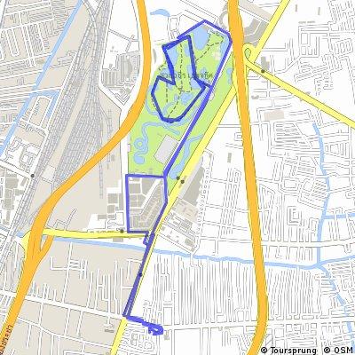bike tour through Phaya Thai