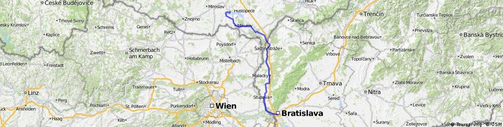 16. Bratislava (hrad) - Lednice (zámek) - Pasohlávky (Autokemp)