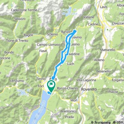 Valle del Sarca: Torbole - Arco - Dro - laghi del Toblino, Santa Mazzena e Cavedine (Trento)