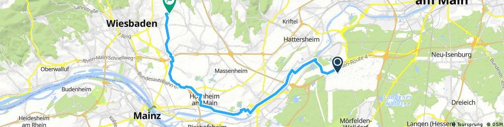 Lange Ausfahrt von Frankfurt am Main nach Wiesbaden