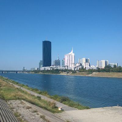 Bratislava - Römerland Carnuntum - Wien city center