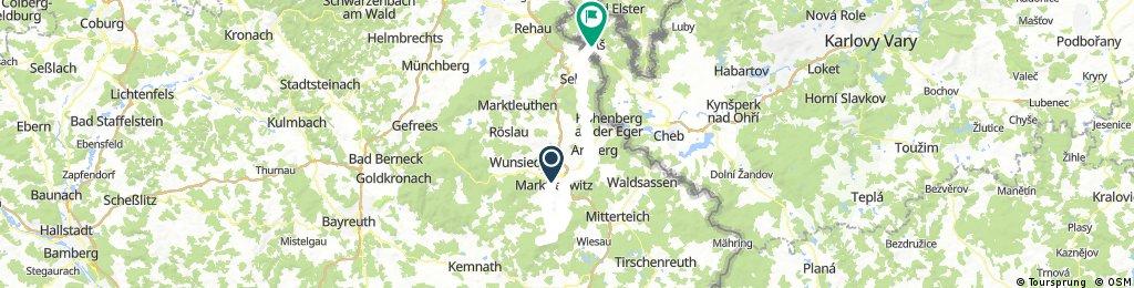 Marktredwitz-Burgruine Weissenstein a rozhledna na Platte-rozhledna Kohlberg nad Arzberg-Aš