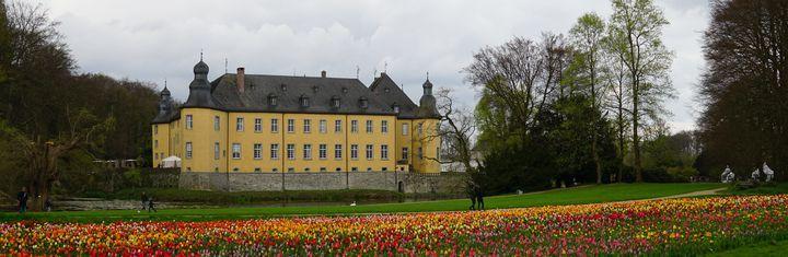 von-dusseldorf-zu-kunst-und-kohle-im-rheinischen-braunkohlerevier-u.jpg