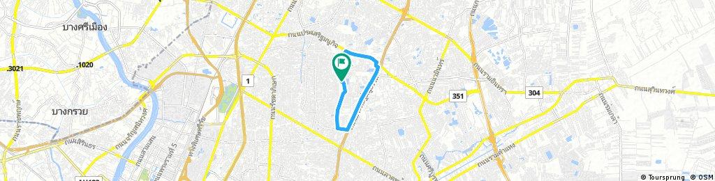 bike tour through หมู่บ้านอารียา โมวา - Mu Ban Areeya Mova