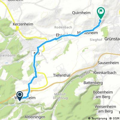 Grünstadt Weinwanderhütte hin