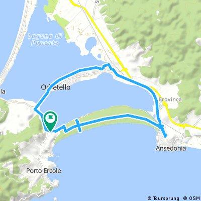 Orbetello, pedalare sulla laguna