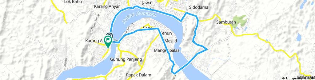 road to mahkota dua