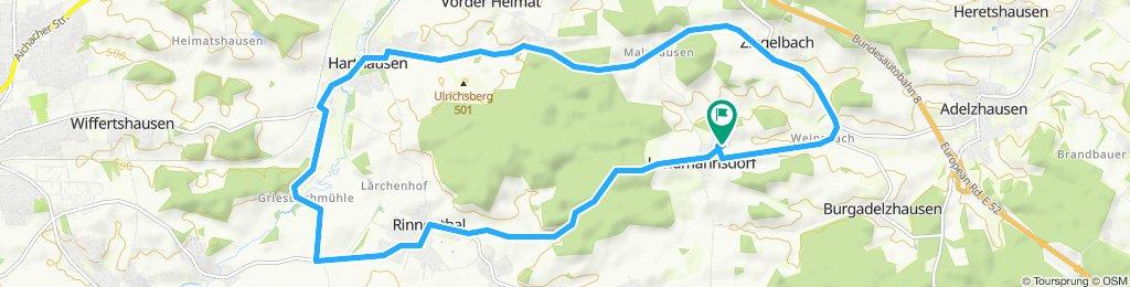 Gerade Fahrt in Adelzhausen