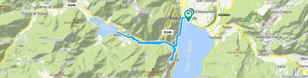 Gerade Fahrt in Riva del Garda