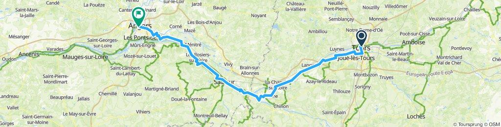 Tours_Angers_(Loire2019)