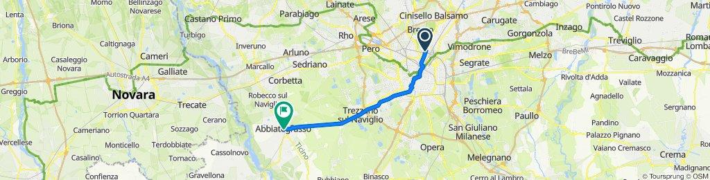 Viale Suzzani Milano-Abbiategrasso centr