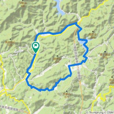 ぐるっと30km! 森林浴と滝巡り秋葉コース
