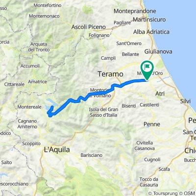 Da Via Custoza 11, Via Vomano a Via Custoza 11, Via Vomano