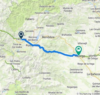 Richtung Leon über Cruz (Wallfahrtsort am Berg)