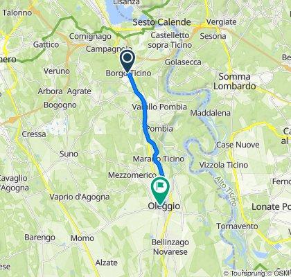 Da Via Cavour 8/E, Borgo Ticino a Viale Giuseppe Mazzini, Oleggio
