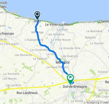 De 5–17 Rue du Bord de Mer, Hirel à 19–33 Rue Yves Estève, Dol-de-Bretagne