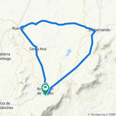 De Travesía General Franco, 2, Robledillo de Trujillo a Calle Juan de Mena, 24–36, Robledillo de Trujillo