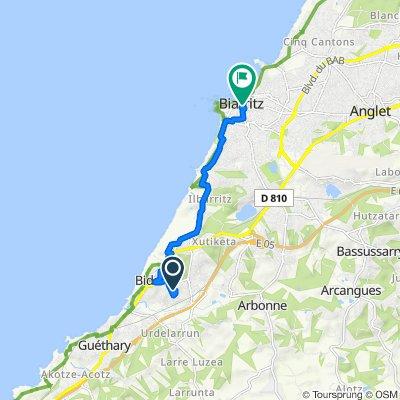 De 93–261 Rue d'Oyamburua, Bidart à 4–10 Avenue Édouard VII, Biarritz