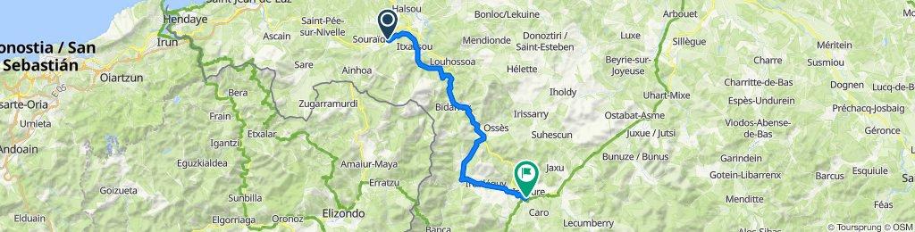 De 390 Route Karrika Nagusia, Espelette à Place du Général de Gaulle, Saint-Jean-Pied-de-Port