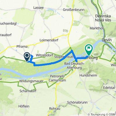 Schloß 1, Eckartsau nach Donaulände 9–21, Hainburg an der Donau