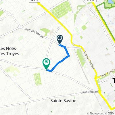 De 2–8 Rue Théophile Boutiot, Troyes à 66 Rue des Noés, Troyes