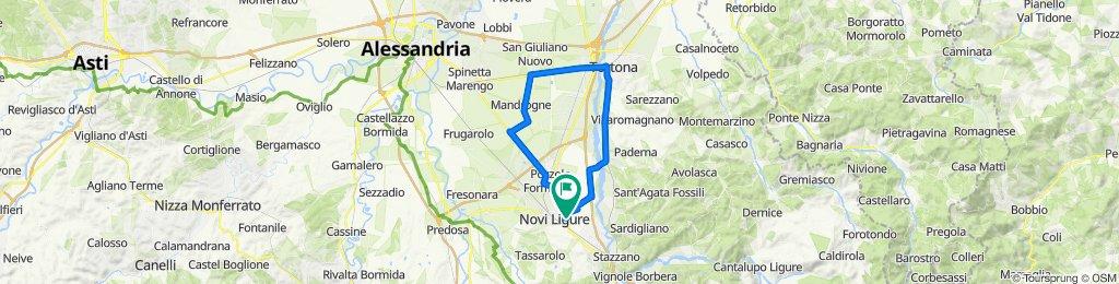 Da Via Casteldragone 114, Novi Ligure a Via Casteldragone 112, Novi Ligure