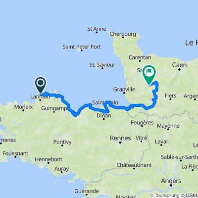 Perros-Guirec (22700), Côtes-d'Armor, Bretagne, France - Pont-Farcy (14380), Tessy-Bocage, Manche, Normandie, France