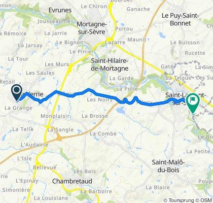 De 35–37 Allée des Acacias, La Verrie à 39 Chemin de Bodet, Saint-Laurent-sur-Sèvre