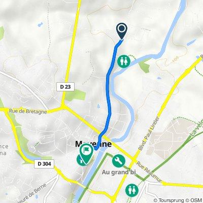 De Rue Saint-Léonard 1038, Mayenne à Place Juhel 13 bis, Mayenne