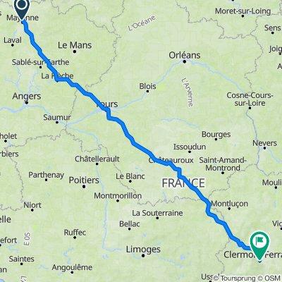 De Rue Saint-Léonard 1038, Mayenne à Boulevard François Mitterrand 76, Clermont-Ferrand