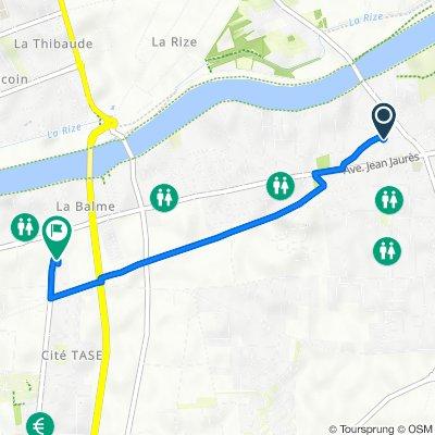 De 17 Rue Aimé Césaire, Décines-Charpieu à 13B Avenue Roger Salengro, Vaulx-en-Velin