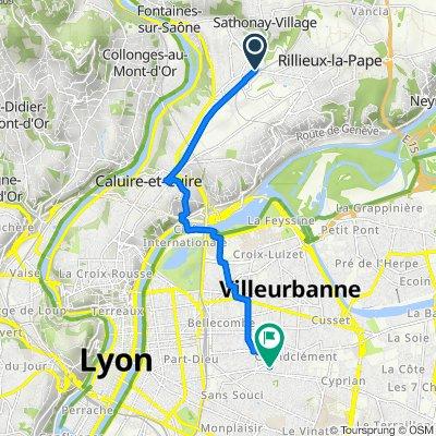 De 2 Avenue du Boutarey, Sathonay-Camp à 12 Rue Victor Hugo, Villeurbanne