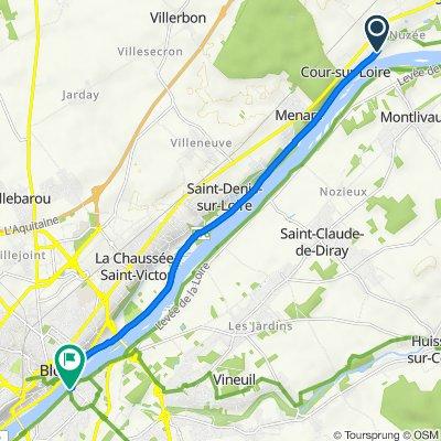 De 1 Place de la Fontaine, Cour-sur-Loire à 8–24 Quai Villebois-Mareuil, Blois