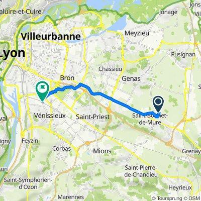 De 1–5 Place Plein Soleil, Saint-Bonnet-de-Mure à 221 Avenue Francis de Pressensé, Vénissieux