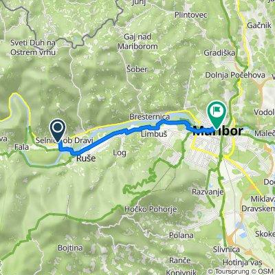 Mariborska cesta 46 nach Poštna ulica 4
