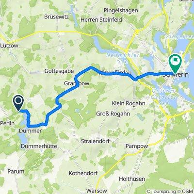 Zum See 2, Perlin nach Am Markt 14, Schwerin