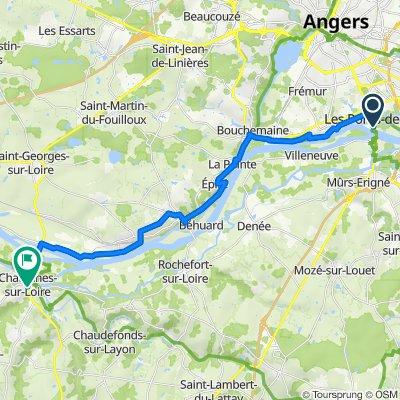 De Rue Charles de Gaulle, Les Ponts-de-Cé à 22 Rue des Cordiers, Chalonnes-sur-Loire
